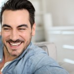 Estética em Próteses Dentárias sobre Implantes: um guia para o paciente.