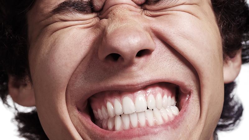 sensibilidade-dos-dentes-bruxismo-tratamento
