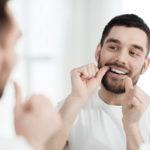 Próteses dentárias e o problema de infiltração por cáries.