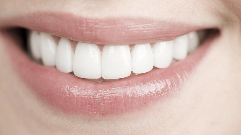 9196b44a9a Facetas em resina são alternativas viáveis às facetas em porcelana nos  tratamentos para mudanças mais intensas na estética do sorriso?