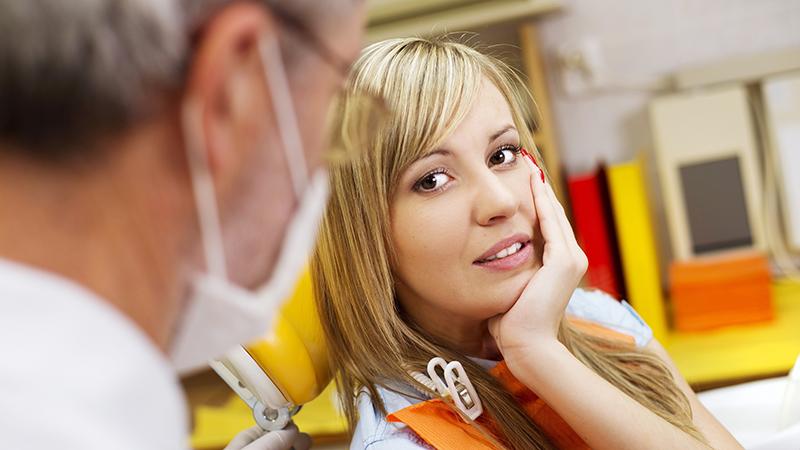 Dor sensibilidade e prótese dentária porcelana