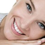 Dá para copiar dentes de artistas e modelos com facetas e lentes?