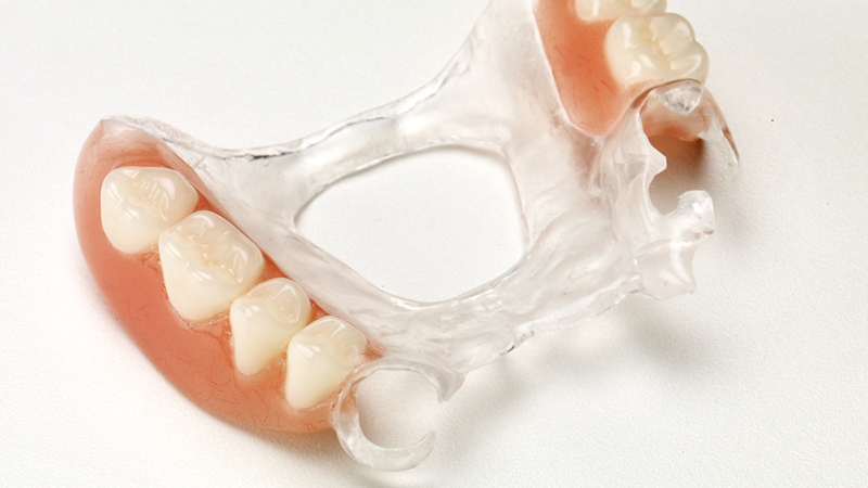 prótese parcial removível transparente