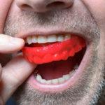 Tratamento caseiro para bruxismo pode piorar ainda mais os sintomas.