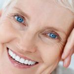Prótese dentária protocolo em acrílico ou porcelana. Qual é a ideal?