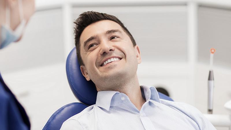 substituir ou trocar prótese dentária fixa