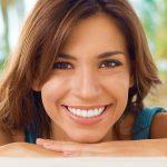 Dentes de porcelana: conheça as técnicas para transformar seu sorriso.