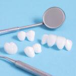 Prótese protocolo em porcelana ou zircônia: diferenças além do preço.