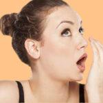 Prótese dentária e mau hálito: 7 mitos e verdades esclarecem o problema.